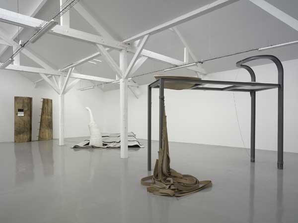 40mcube. Vue de l'exposition Ingenium d'Emmanuelle Lainé dans le cadre des Ateliers de Rennes - biennale d'art contemporain.
