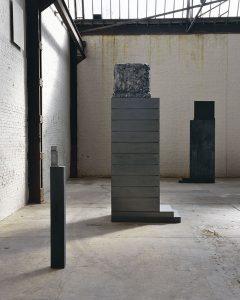 Didier Vermeiren, Vue d'atelier 2016, Monument utile #1 et #2 © Adagp, Paris, 2017