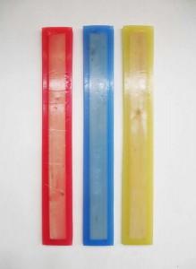 Paoline Prioult,Triptyque de cire perdue, 2016. Paraffine, colorants et bois, 160 x 22 x 4,5 cm chaque. © Paoline Prioult. Courtesy the artist